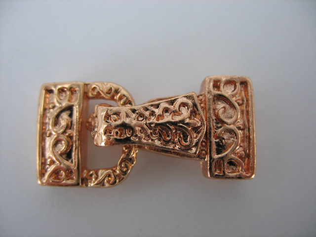 Rose Gold Clasp - M128