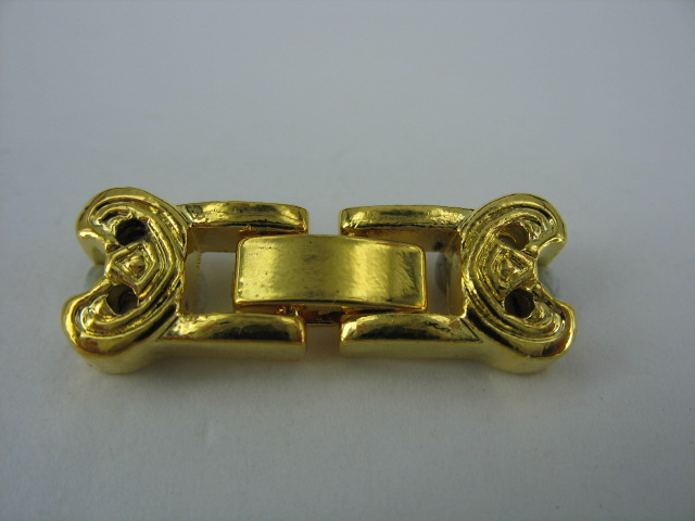 Gold Clasp - M136